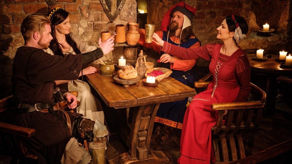Medieval eating