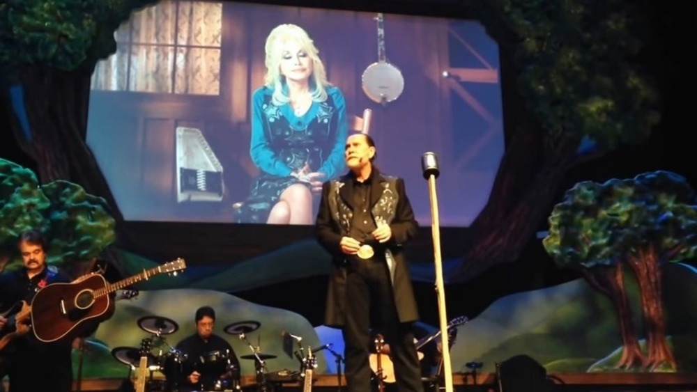 Randy Parton on stage, 2014