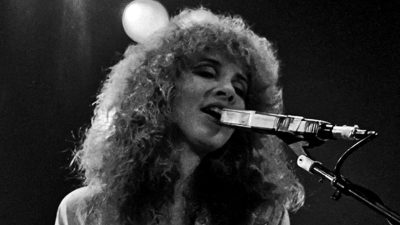 Cropped photo by Ueli Frey of Steve Nicks in 1980, CC BY-SA 4.0
