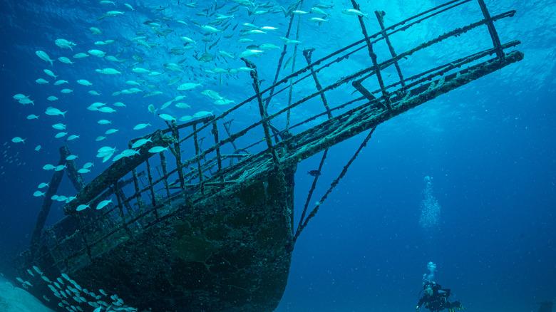 underwater warship