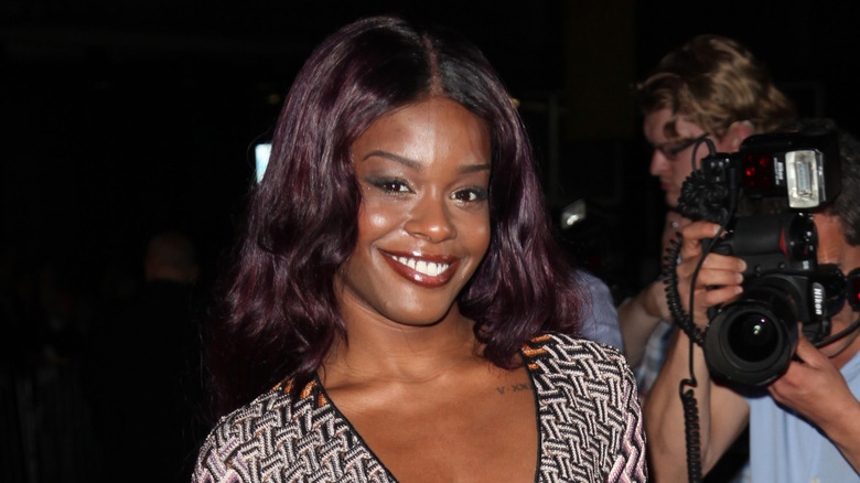 A red carpet picture of Azealia Banks smiling