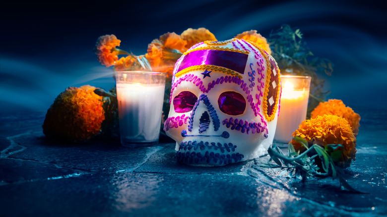 mexican day of the dead paraphernalia