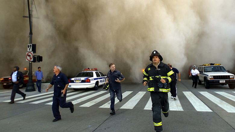 People flee Twin Towers collapse