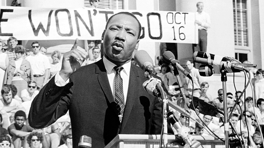 Martin Luther King addresses crowd