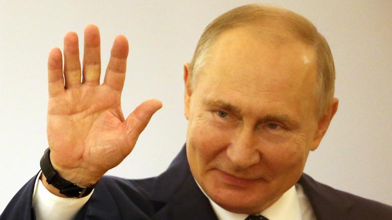 Vladmir Putin waving