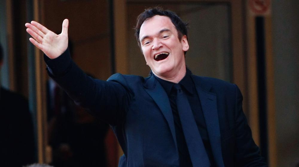 Quentin Tarantino waving