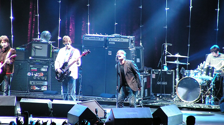 Oasis performing
