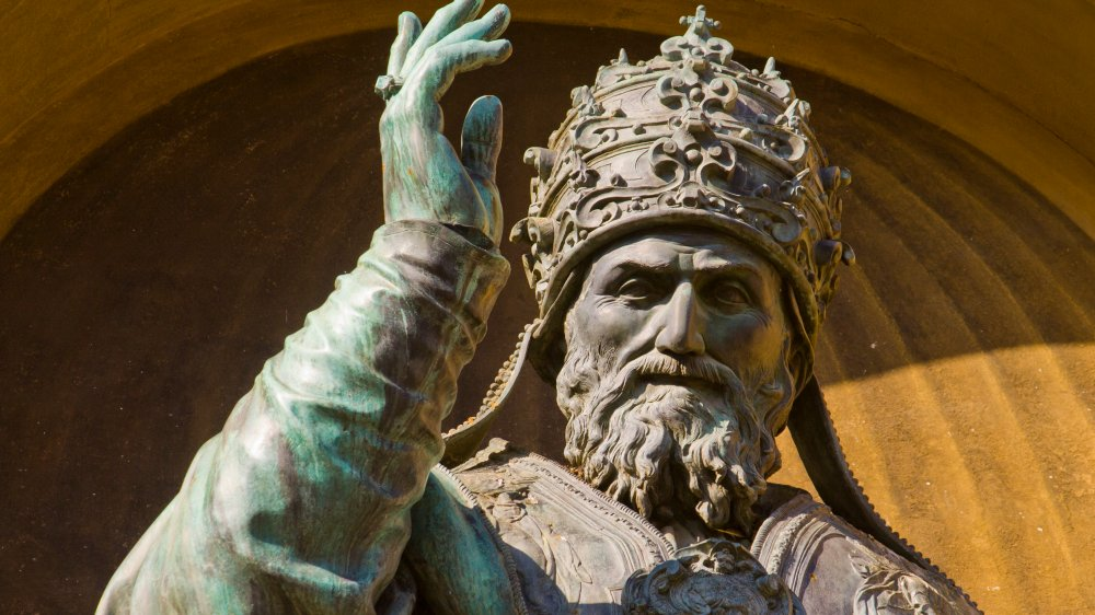 Statue of Pope Gregory XIII at an angle that looks dynamic