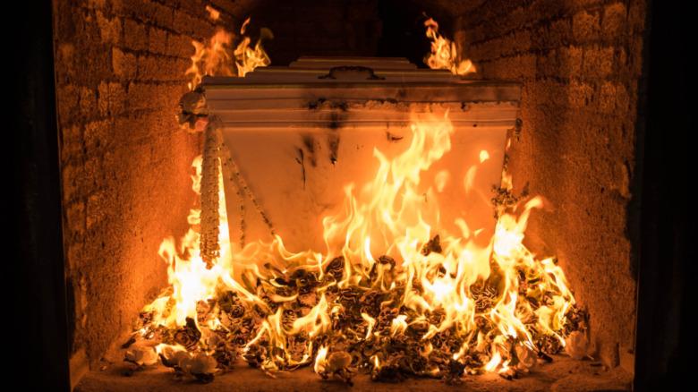 casket burning during cremation