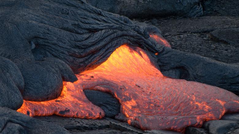 mafic lava from hawaii