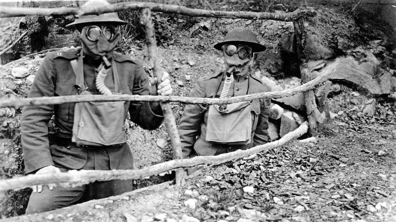 WWI British soldiers in gas masks