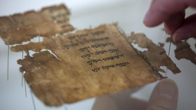 Researcher examines Dead Sea Scrolls