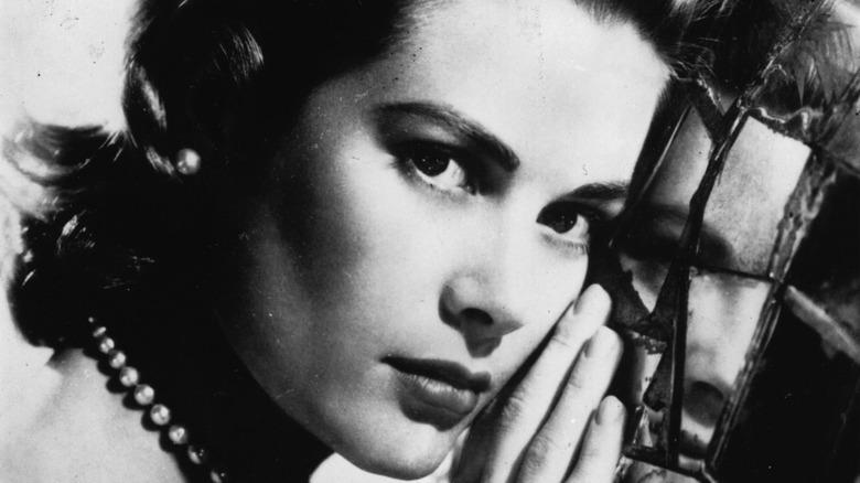 Grace Kelly pose photographer