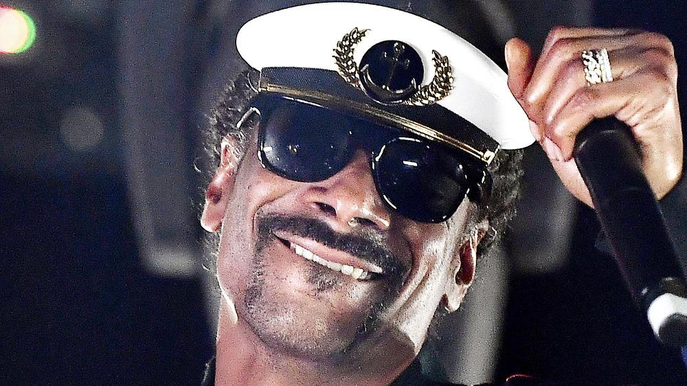 Snoop performing in 2020