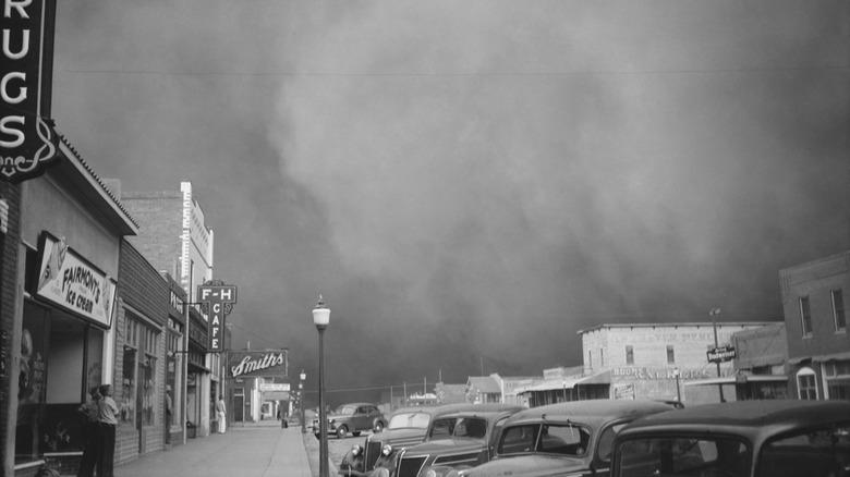 Dust storm in 1937 Kansas