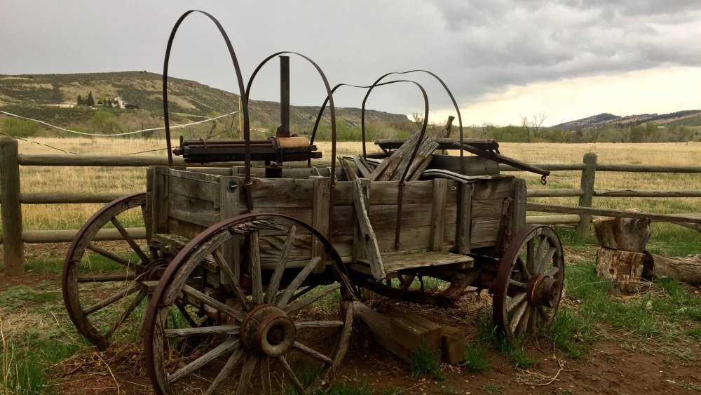 Vintage covered wagon