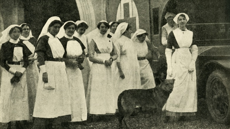 female nurses world war I