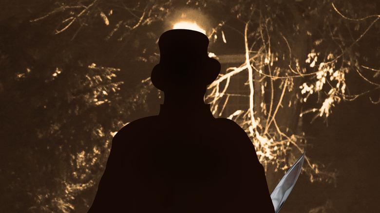 Jack the Ripper walks down the street