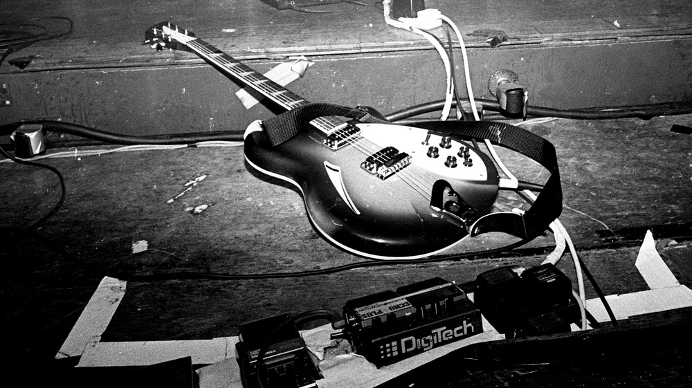 Electric guitar abandoned onstage