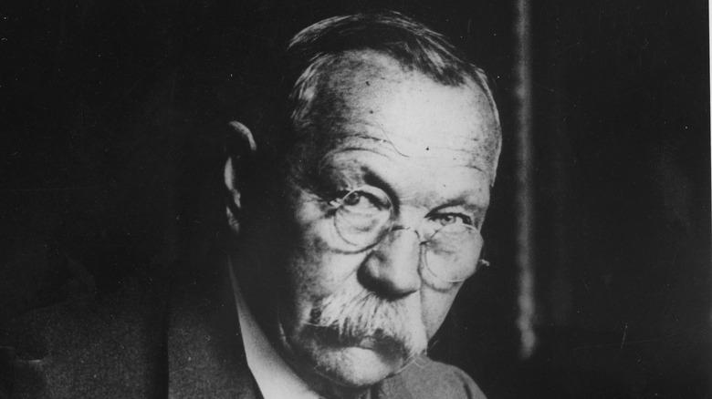 Arthur Conan Doyle glasses