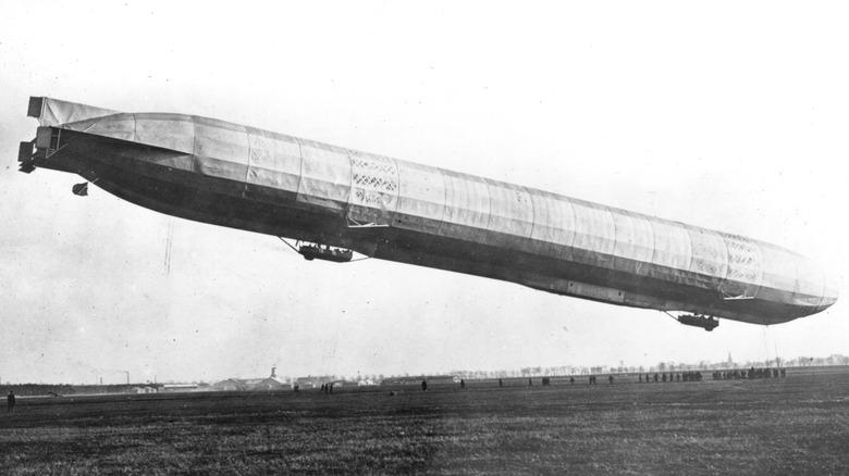 early zeppelin flying