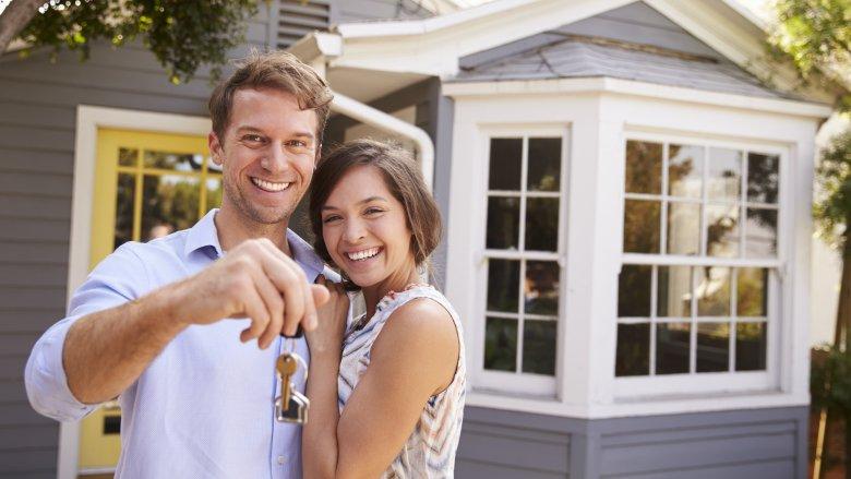 happy homeowners keys