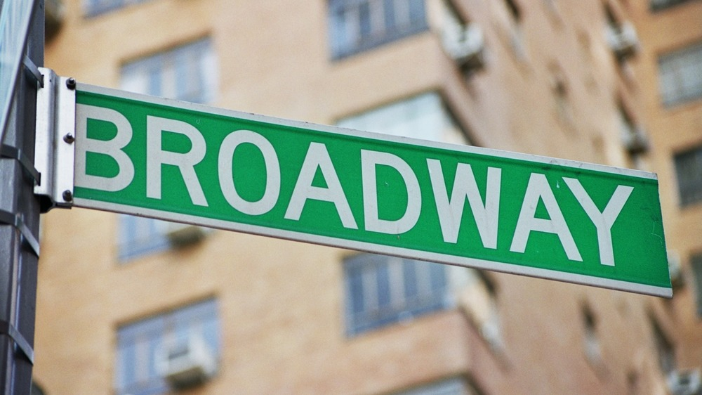 Green Broadway street sign