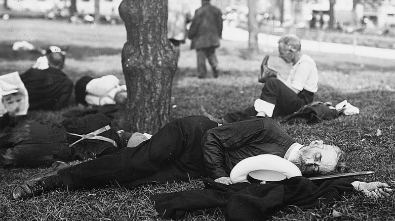 people sleeping in the park during 1911 heat wave