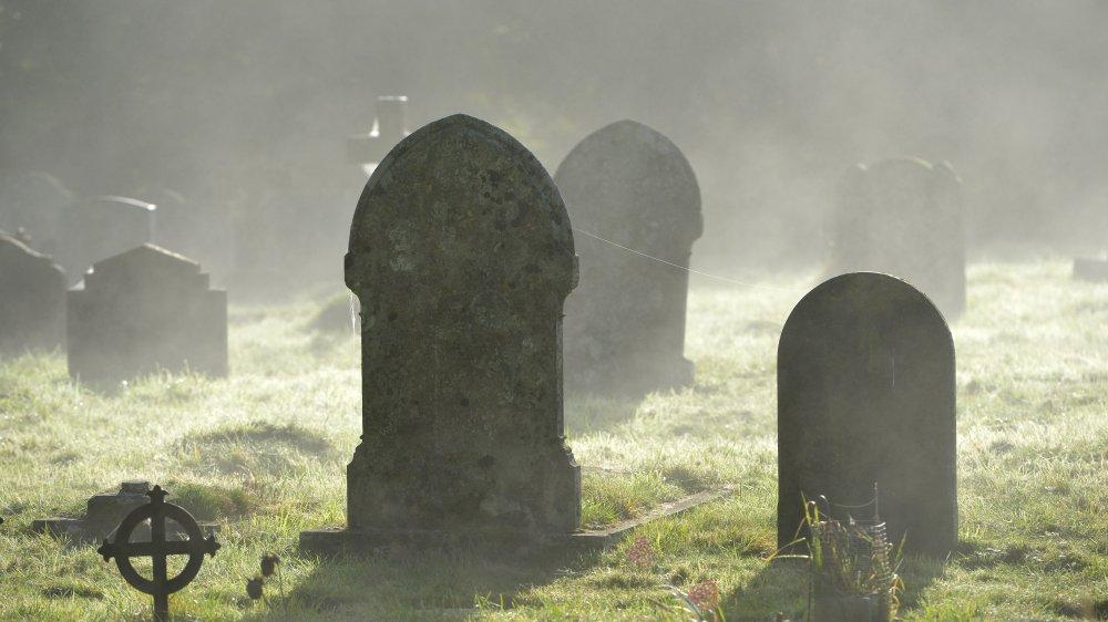 graveyard misty