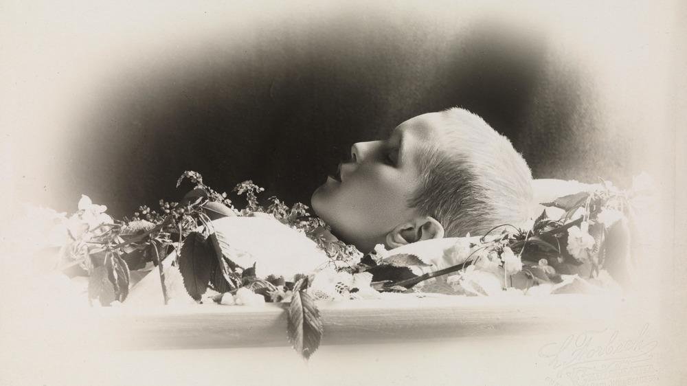 postmortem photography