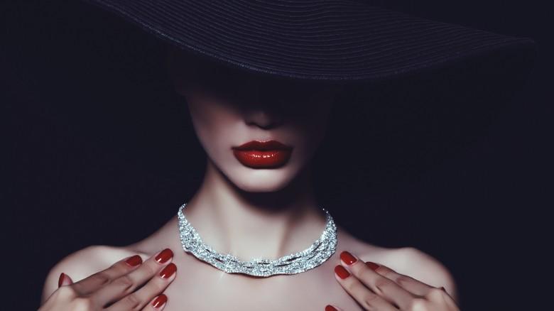 woman diamond necklace