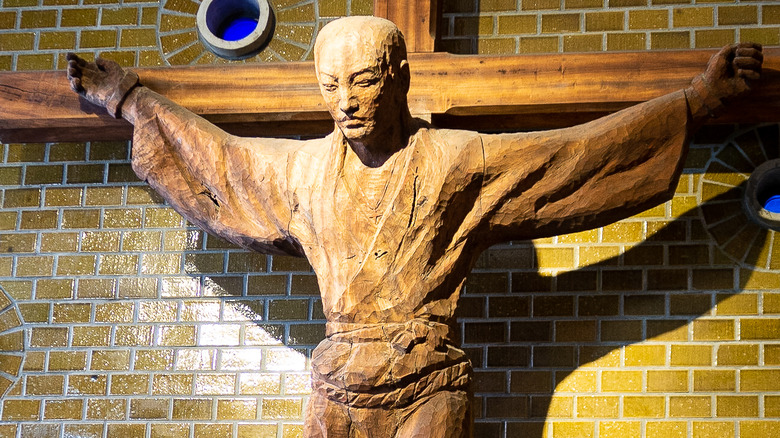 Statue of a Japanese crucified martyr