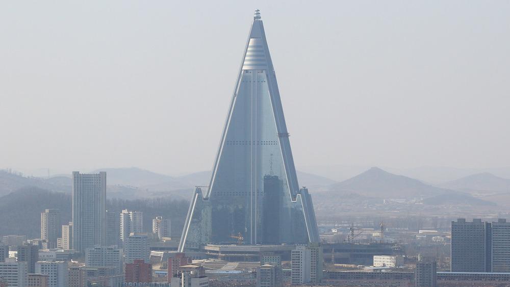 Hotel of Doom, Pyongyang, 2011