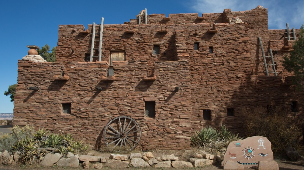 Hopi House in the Grand Canyon