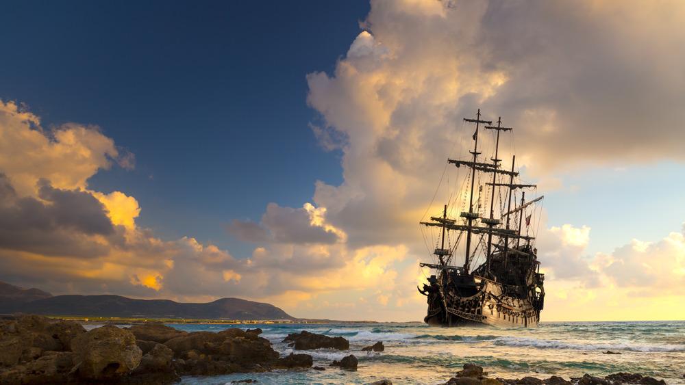 Ship setting sail