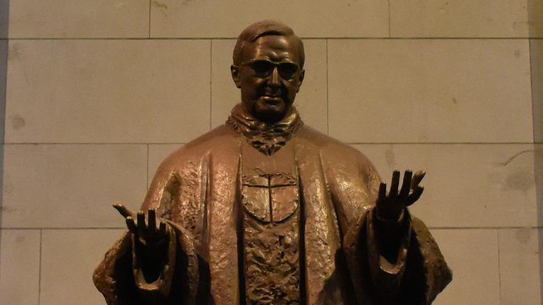 statue to josemaria escriva opus dei founder