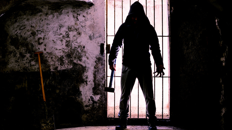 killer with hammer