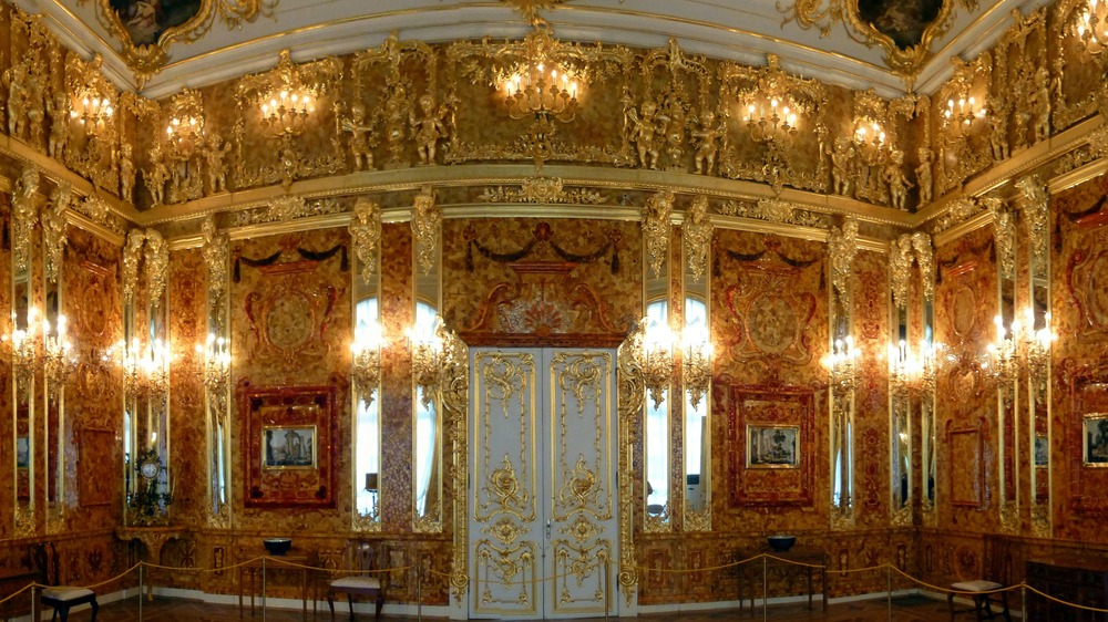 Recreation of Russia's missing Amber Room