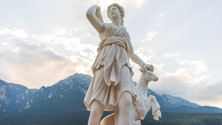 Statue of Artemis and her deer