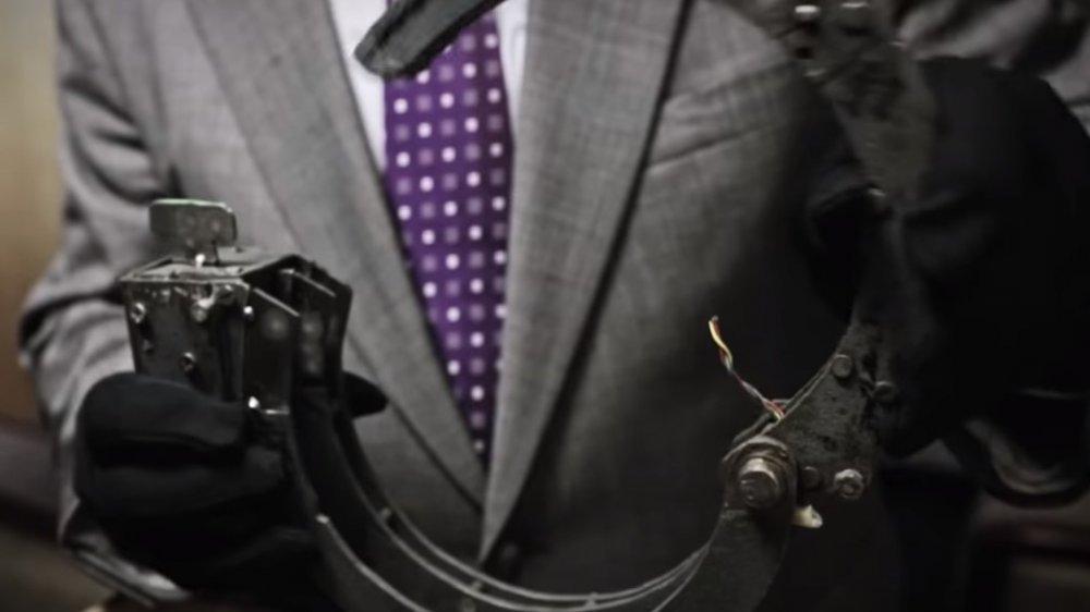 The bomb collar