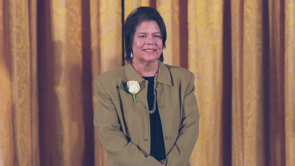 Wilma Mankiller receiving Medal of Freedom