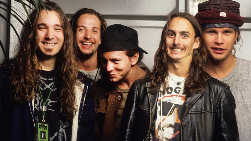 Eddie Vedder, Mike McCready, Jeff Ament, Stone Gossard, and Dave Abbruzzese of Pearl Jam