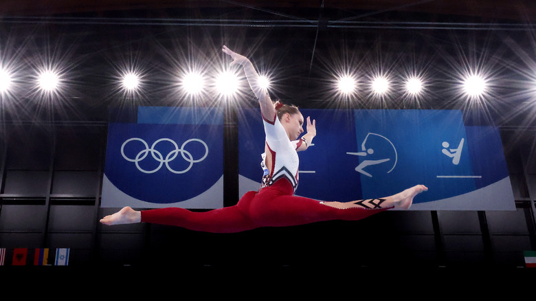 Sarah Voss competing in the Olympics