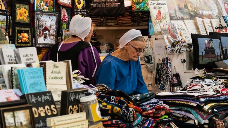 amish women selling goods