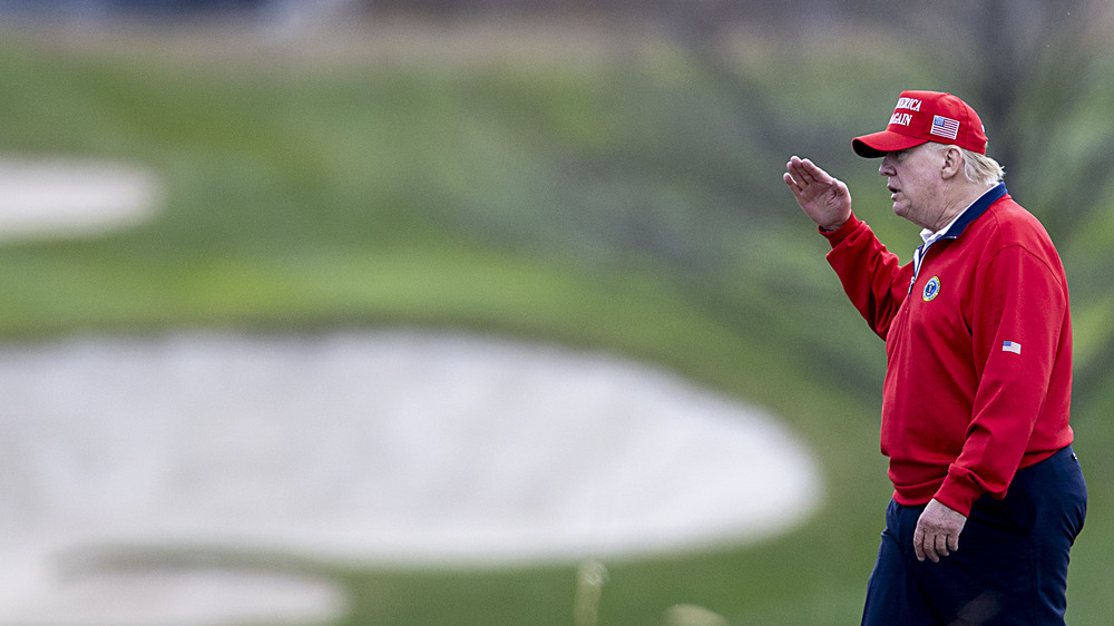 Trump playing golf