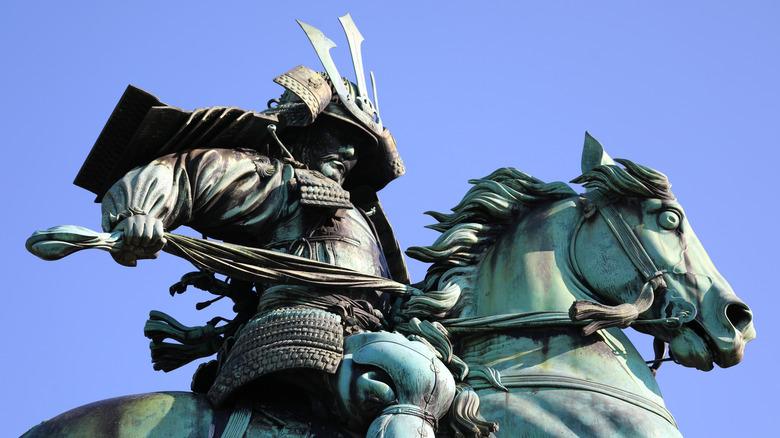 Statue of samurai Kusunoki Masashige