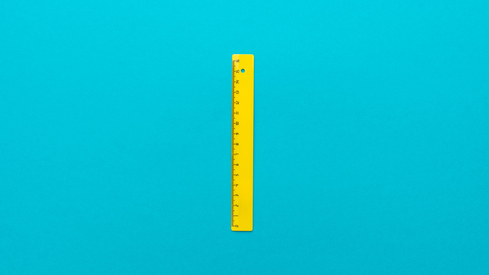 A ruler with a circumspect system of measurement