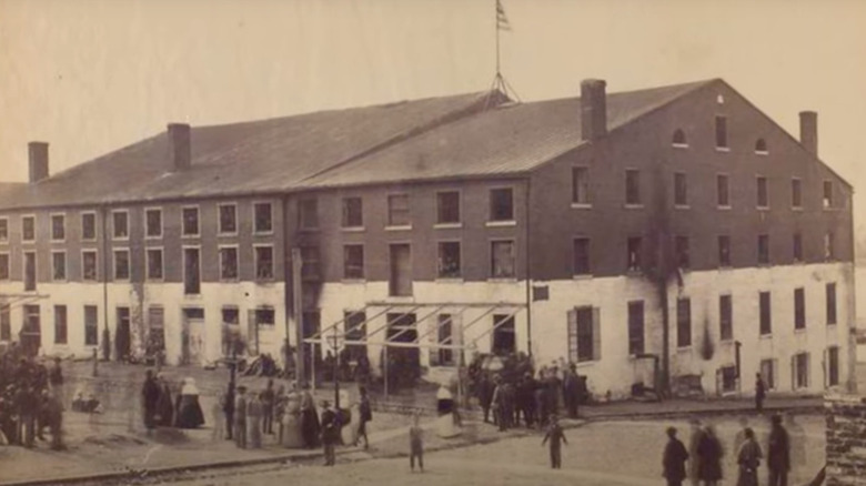 the libby prison