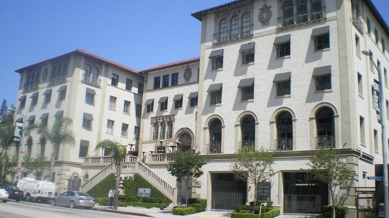 Hacienda Arms Apartments