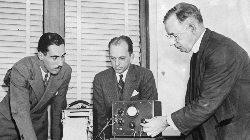 Polygraph test in the 1930s